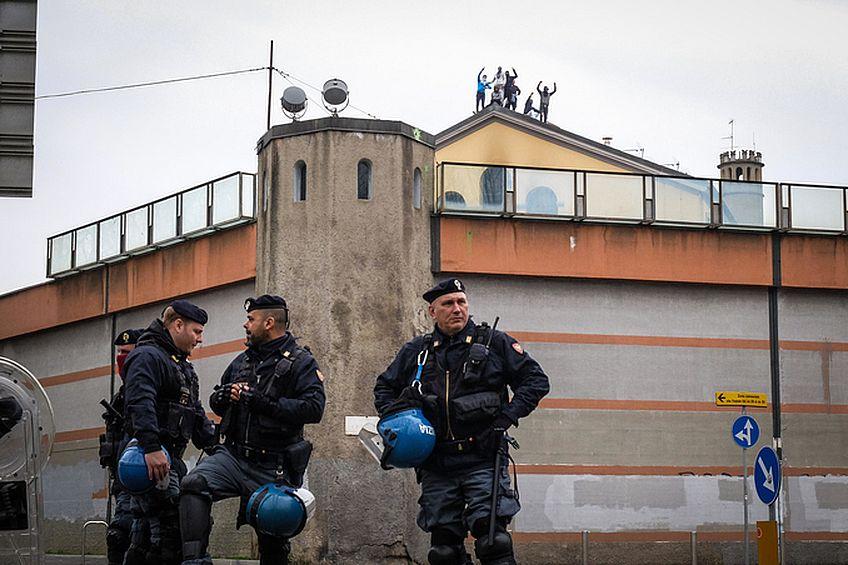 carceri-milano-san-vittore-rivolta-ansa